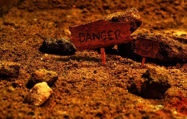 danger sign for student loans